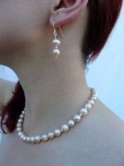 Pfirsichblüte - Rosa Perlenkette und Ohrringe - verkauft