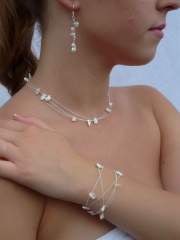 Zarte Perlenkette oder Armband - 72 cm lang - und Ohrringe