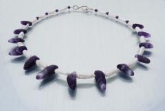 Halskette aus Amethyst und Süsswasserzuchtperlen