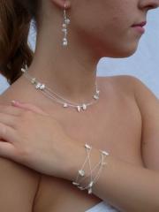 Zarte Perlenkette oder Armband und Ohrringe - 89 cm lang -