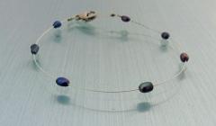 Perlenarmband aus blauen Suesswasserzuchtperlen