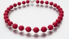 Perlenkette aus rotem Muschelkernperlen - verkauft -
