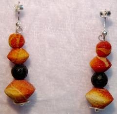 Ohrstecker mit Apfelkoralle und Lava - verkauft -